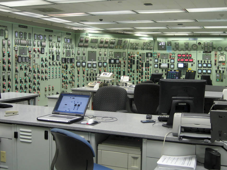 A training simulator (exact replica) of a control room.